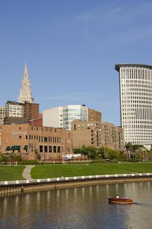 https://imgc.allpostersimages.com/img/posters/cuyahoga-river-skyline-view-of-downtown-cleveland-ohio-usa_u-L-PXR7HD0.jpg?p=0