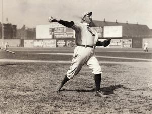 Cy Young (1867-1955)