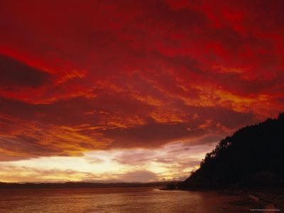 Red Sky, Sunset Over the Bay, Gisborne, East Coast, North Island, New Zealand, Pacific