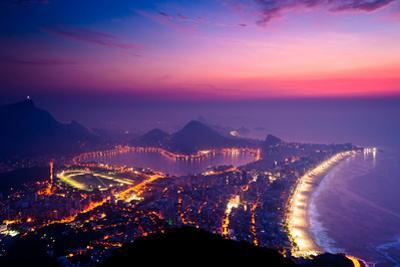 Early Morning Sunrise in Rio De Janeiro by dabldy