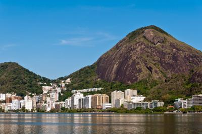 Rio De Janeiro Mountains around Lagoon by dabldy