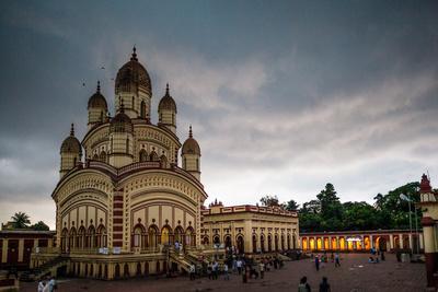 https://imgc.allpostersimages.com/img/posters/dakshineswar-kali-temple-kolkata-india_u-L-Q1BB2780.jpg?p=0
