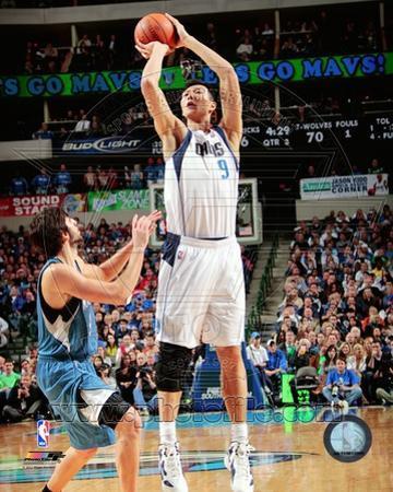 Dallas Mavericks - Yi Jianlian Photo