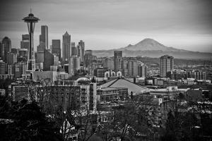 The City Skyline of Seattle, Washington from Kerry Park - Queen Anne - Seattle, Washington by Dan Holz