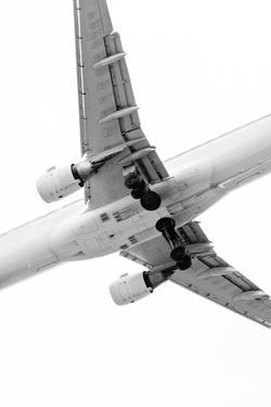 Aircraft by Daniel Kulinski