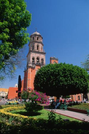 Church beside Plaza Garden