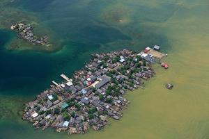Congested Kuna Village Island by Danny Lehman
