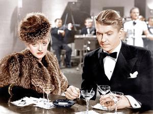 DARK VICTORY, from left: Bette Davis, Ronald Reagan, 1939