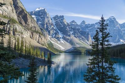 Moraine Lake by darlenemunro