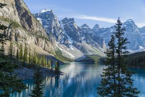 Moraine Lake by darlenemunro