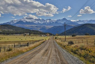 Colorado, Autumn, Mountains of the Rio Grande National Forest and Courthouse Mountains by Darrell Gulin