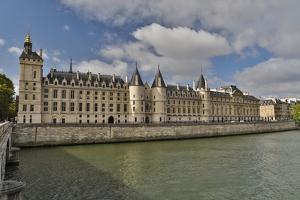 The Conciergerie along the Seine River, Paris, France. by Darrell Gulin
