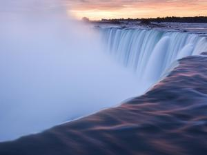 Horseshoe Falls at Sunset from Table Rock Viewpoint, Niagara Falls, Ontario by Darwin Wiggett