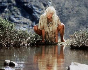 Daryl Hannah - The Clan of the Cave Bear