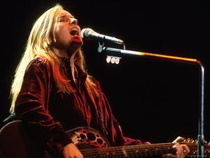 Singer Melissa Etheridge Performing by Dave Allocca