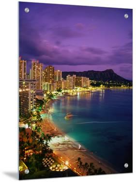 Waikiki Beach, Honolulu, HI by Dave Bartruff