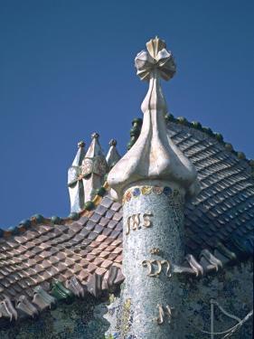 Antonio Gaudi's Cassa Batilo, Barcelona, Spain by David Barnes