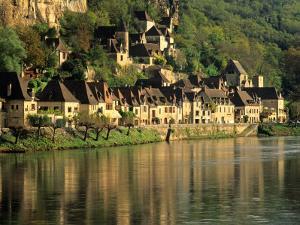 Dordogne River, France by David Barnes