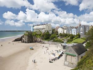 South Beach, Tenby, Pembrokeshire, Wales, United Kingdom, Europe by David Clapp