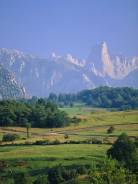 Naranjo De Bulnes (Peak), Picos De Europa Mountains, Asturias, Spain, Europe by David Hughes