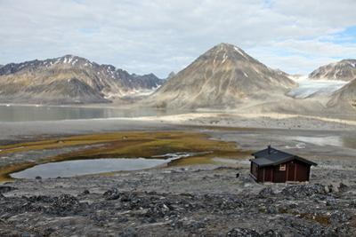 Governor's Cabin at Trinityhamn, Magdalenefjord, Svalbard, Norway, Scandinavia, Europe by David Lomax