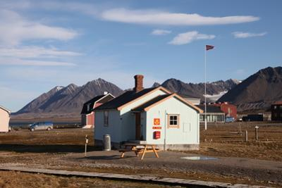 Most Northerly Post Office in the World, Ny Alesund, Svalbard, Norway, Scandinavia, Europe by David Lomax