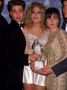 Actors Jason Priestley, Tori Spelling and Shannen Doherty at the People's Choice Awards by David Mcgough