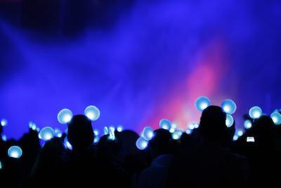 People Wear Illuminated Mouse Ears That Change Colors and Blink