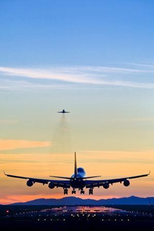 Aeroplane Landing, Canada