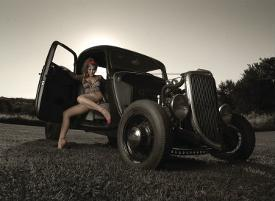 hot-rod-racing-girl-naked-black-girls-shaking-that-ass