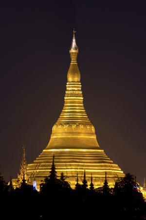 The Shwedagon Pagoda in (Rangoon) Yangon, (Burma) Myanmar