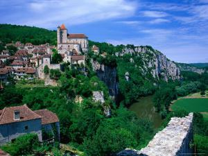 Clifftop Village Perched High Above the River Lot, St. Cirq Lapopie, Midi-Pyrenees, France by David Tomlinson