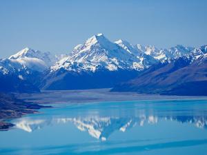 Aoraki, Mt Cook and Lake Pukaki, South Canterbury, South Island, New Zealand by David Wall