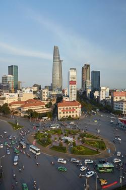 Ben Thanh roundabout, Ho Chi Minh City, Saigon, Vietnam by David Wall