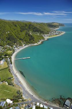 Days Bay, Eastbourne and Wellington Harbour, Wellington, New Zealand by David Wall