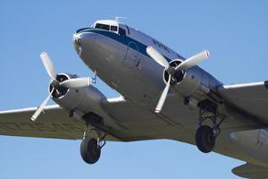 DC3 (Douglas C-47 Dakota), Airshow by David Wall