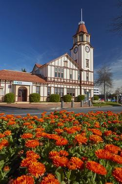 i-SITE visitor centre (old Post Office) and flowers, Rotorua, North Island, New Zealand by David Wall