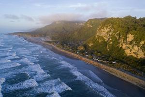 Punakaiki, Paparoa National Park, West Coast, South Island, New Zealand by David Wall