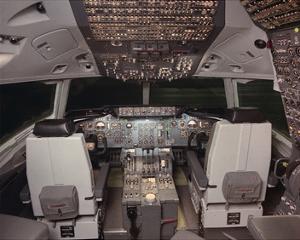 DC-10 jetliner flight Deck