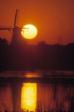 De Zwaan windmill in Windmill Island Gardens at sunrise, Holland, Michigan, USA