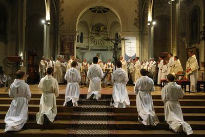 https://imgc.allpostersimages.com/img/posters/deacon-ordinations-in-notre-dame-du-travail-church-france_u-L-Q1GYIVZ0.jpg?artPerspective=n