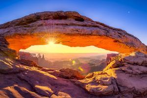Mesa Arch by Dean Fikar