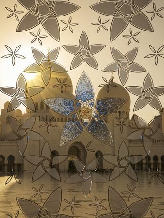 https://imgc.allpostersimages.com/img/posters/decorated-glass-door-in-sheikh-zayed-grand-mosque-abu-dhabi-united-arab-emirates-middle-east_u-L-PWFH3H0.jpg?p=0