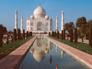 Taj Mahal, Uttar Pradesh, India by Dee Ann Pederson