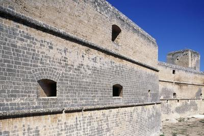 https://imgc.allpostersimages.com/img/posters/defensive-wall-castle-dentice-of-frasso_u-L-PPQE050.jpg?p=0