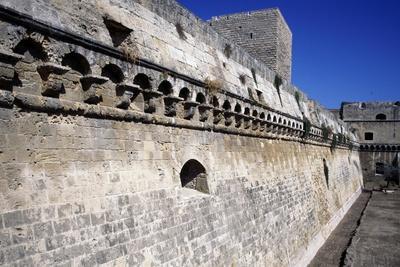 https://imgc.allpostersimages.com/img/posters/defensive-wall-norman-swabian-castle-bari_u-L-PPQDQL0.jpg?p=0