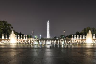 World War Ii Memorial at Night by demerzel21