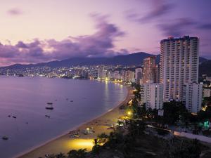 Acapulco, Mexico by Demetrio Carrasco