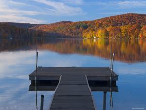 Lake Waramaug, Connecticut, New England, USA by Demetrio Carrasco