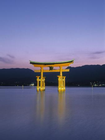 Tori, Miyajima, Honshu, Japan